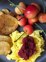 Scrambled eggs, breakfast